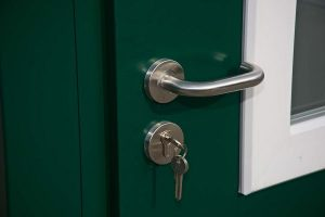 Demountable Expanda Kisok Door Handles